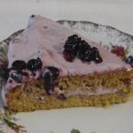 Рецепт торта: Морковный торт со сметанно-смородиновым кремом