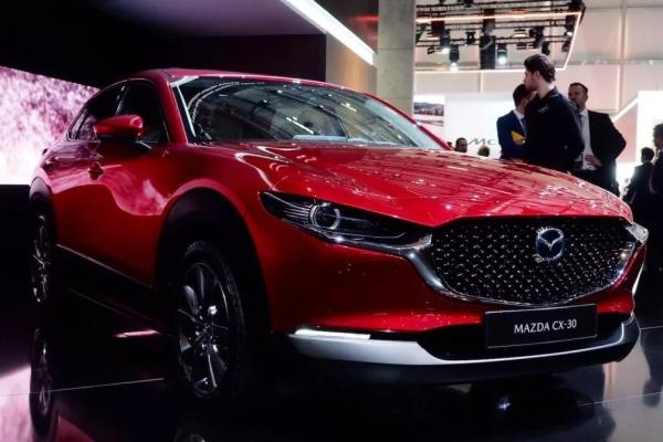 Кроссовер Mazda CX-30 признали самым безопасным автомобилем