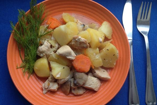 Простые вторые блюда: Рагу из курицы с овощами